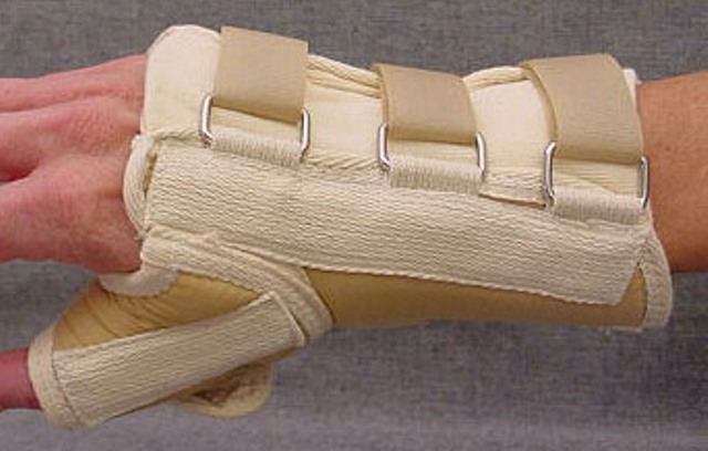 "Tetra Medical Supply Loop Lock Wrist Splint with Thumb Spica: 8"", Left, Different Sizes"